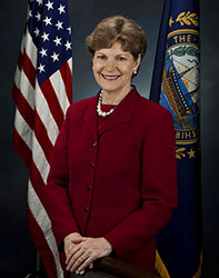 Official portrait of senator Jeanne  Shaheen