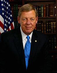 Official portrait of senator Johnny  Isakson