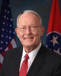Official portrait of senator Lamar  Alexander