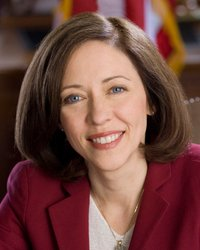 Official portrait of senator Maria  Cantwell
